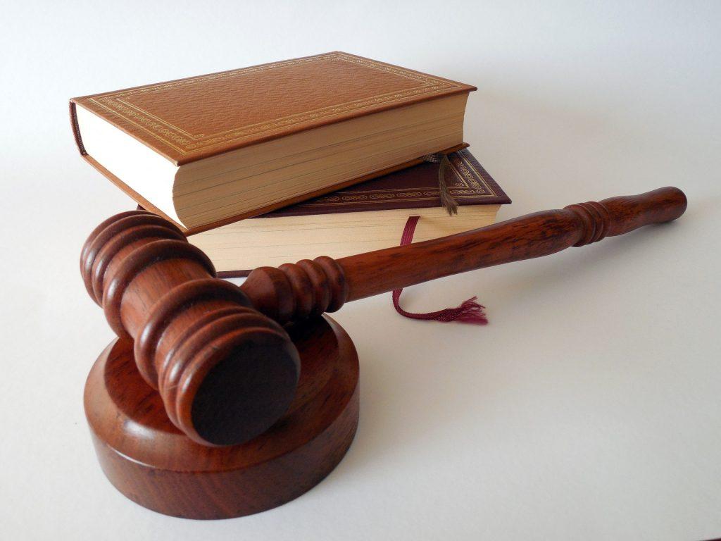 Czy komornik sądowy jest podatnikiem vat?
