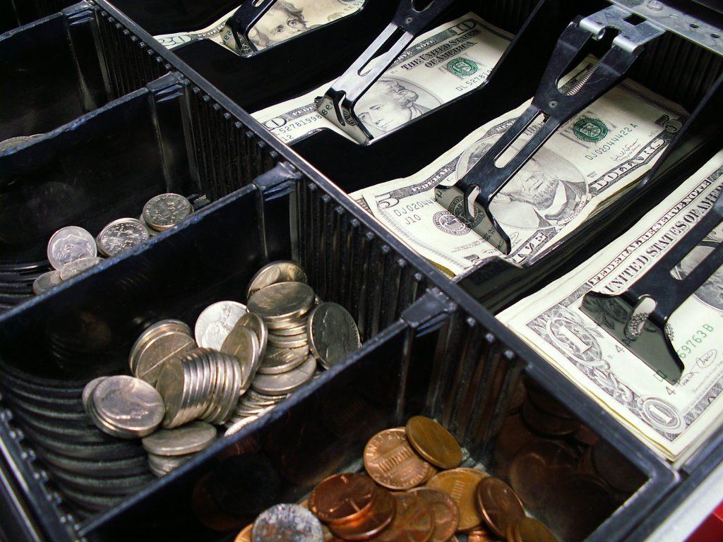 Kto jest zwolniony z ewidencji kasą fiskalną?