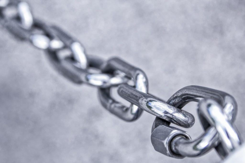 kto rozlicza VAT przy dostawach łańcuchowych