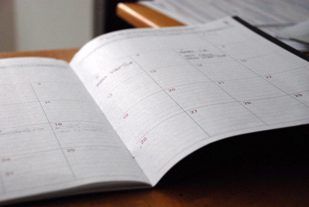 Rok kalendarzowy a obrotowy